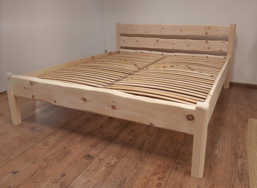 postelja iz cemprina