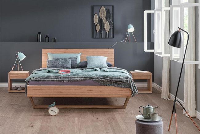 udana-postelja-les